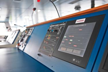 MacGregor 的各套系統在駕駛臺中視覺化顯示於觸控面板上