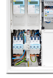 FLT-SEC-ZP2 combined lightning current and surge arrester with two SH switches and voltage pick-off installed via current rail box