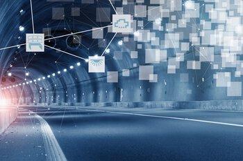 Autotunnel met digitale pictogrammen
