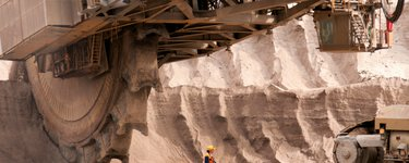 Machinery at a mine – innovative technologies for smart mining