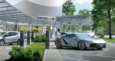 HPC charging park with electric vehicles