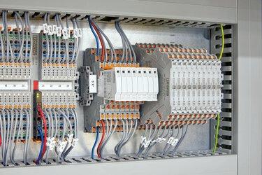 Parafoudre basse tension pour les signaux dans l'armoire électrique
