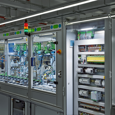 TRIO POWER used for machine building