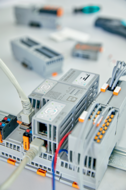 PLCnext Control, PLCnext Technology, Axiocontrol