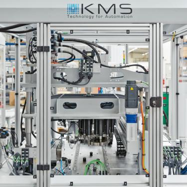 KMS Automation 公司的工作站,配備了分佈安裝的 IP67 交換器