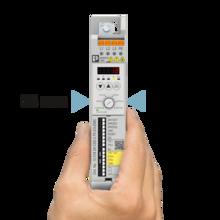 Avvitatore a velocità variabile manuale: risparmio di spazio nel quadro elettrico