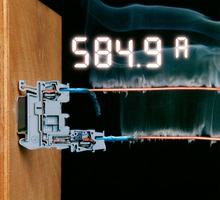图片以插拔式弹簧接线端子为例,展示端子的连接可靠性