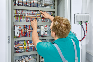 Thanks to Push-in connection technology, you can wire your control cabinet quickly and effortlessly.