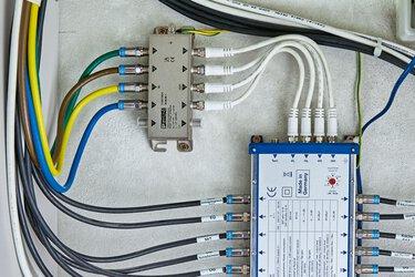 Parafoudre pour protéger les installations d'émission et de réception avec amplificateur d'antenne
