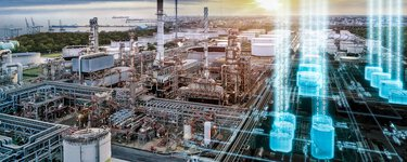 Process industry from above with visualizations for process automation