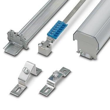 Matériel de fixation pour le montage d'une armoire électrique ordonnée